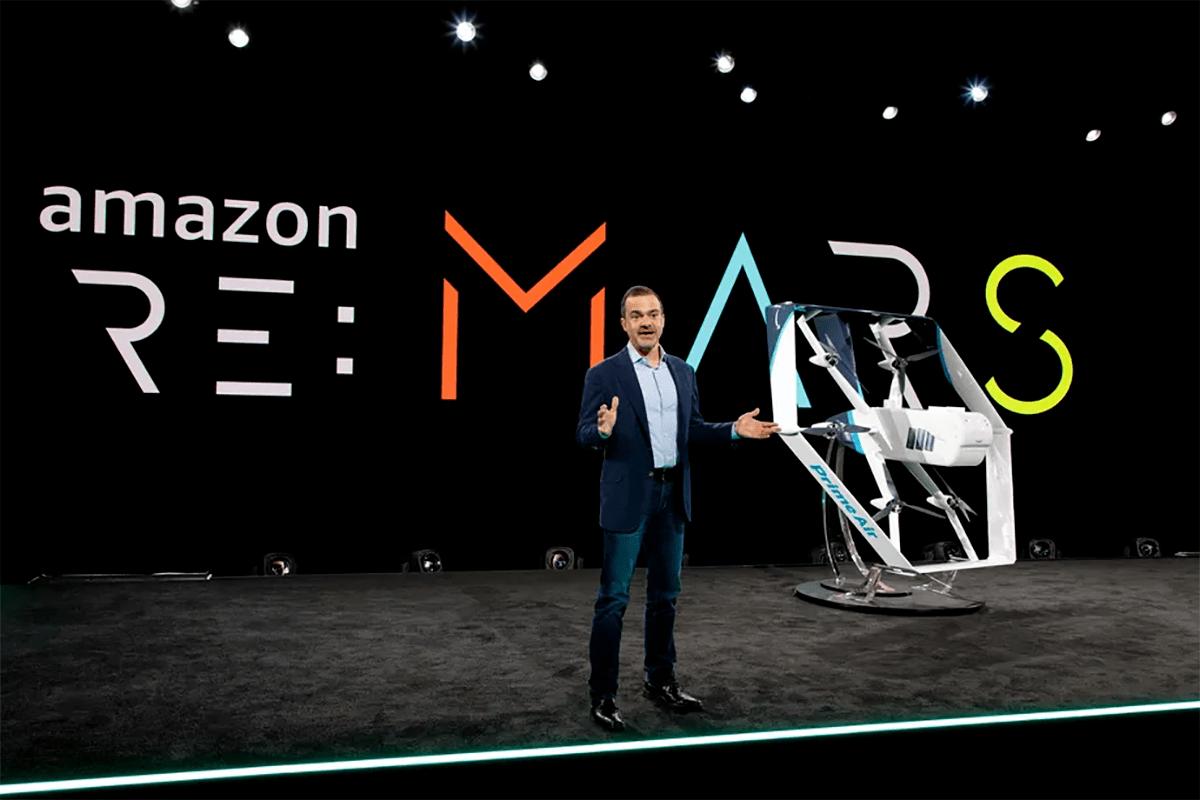 Amazon recibe autorización para operar entregas con drones