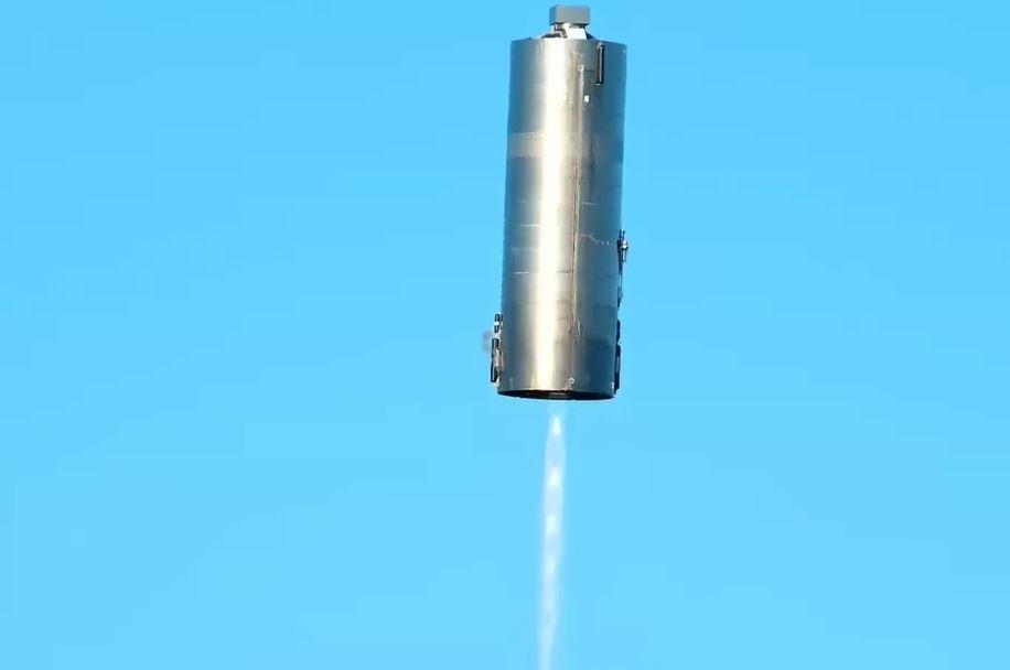 Prototipo de nave de SpaceX vuela 150 metros sin estallar