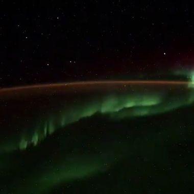 Cosmonauta ruso revela qué son los ovnis que captó desde el espacio