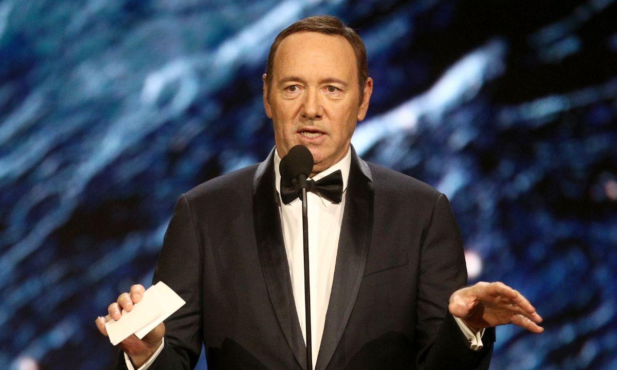 Kevin Spacey suma dos demandas más de agresión sexual a menores