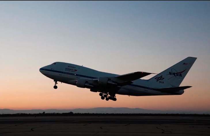 Boeing 747 NASA Agua en la LUNA