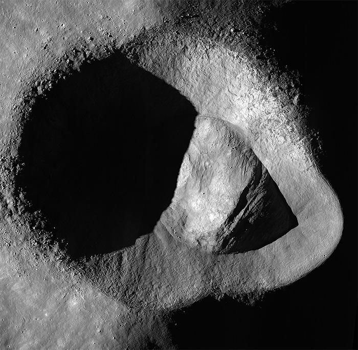 Foto del cráter Ryder tomada por la sonda de la NASA LRO.