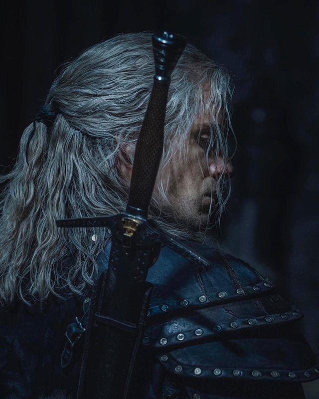 Henry Cavill es Geralt en The Witcher