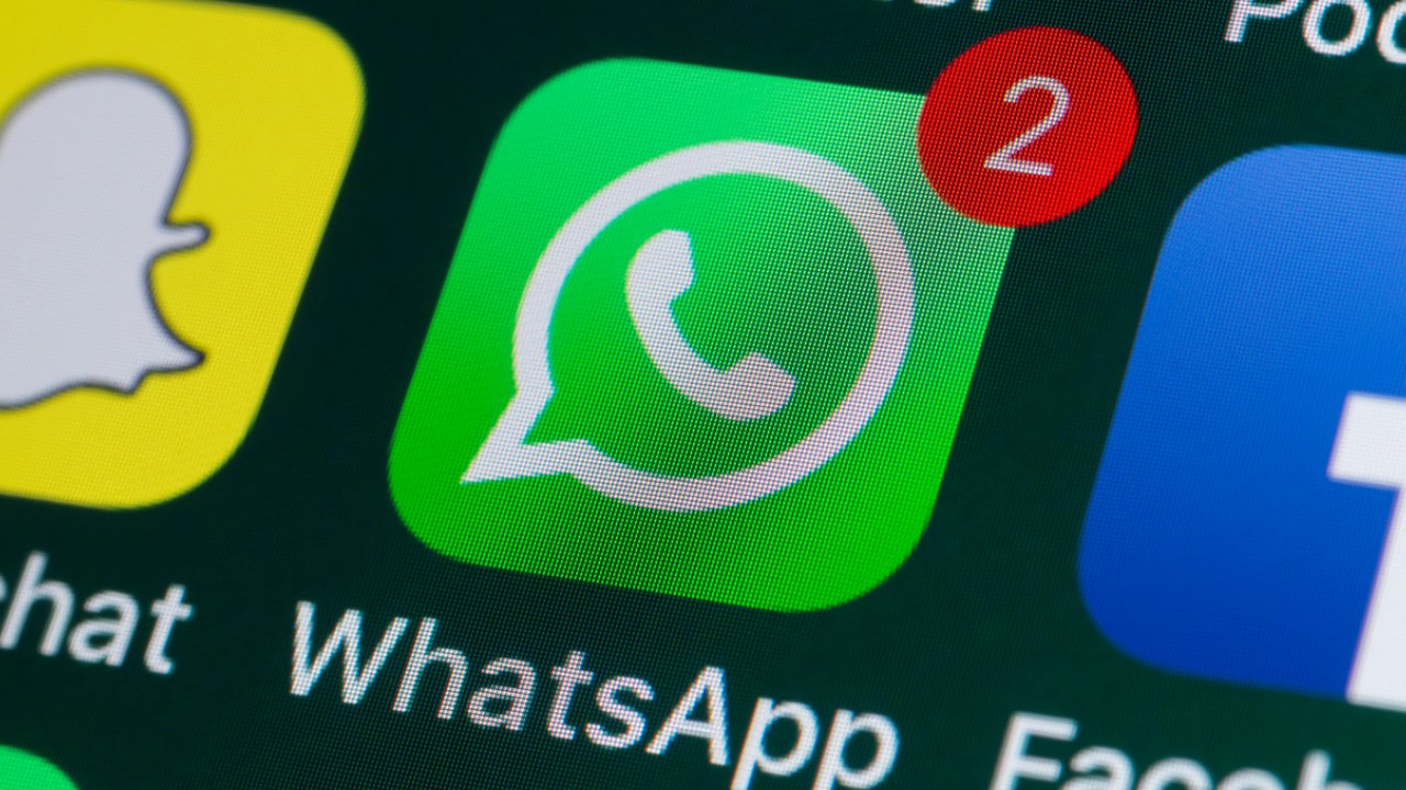 WhatsApp tendrá emojis de Navidad