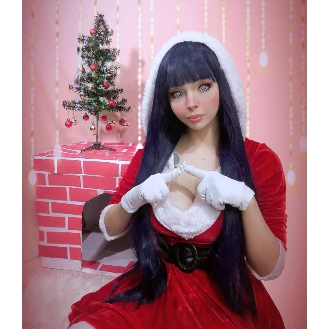 Naruto_ Cosplayer trae a la vida real a Hinata en una versión muy navideña
