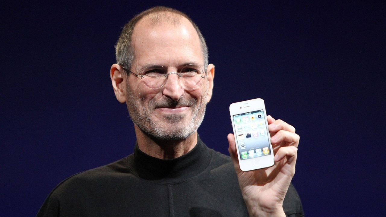 Lanzan colección de iPhone 12 inspirada en Steve Jobs