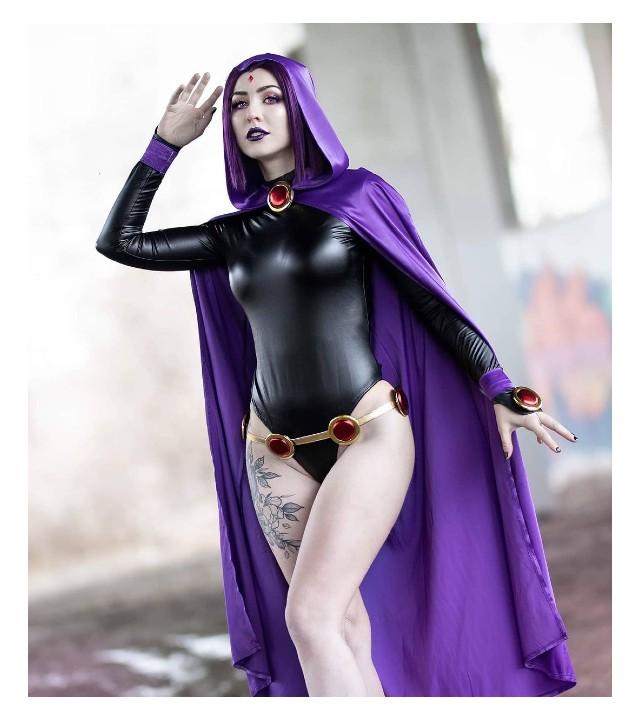 Cosplay de Raven trae a la vida a una de las integrantes más poderosas de Jóvenes Titanes