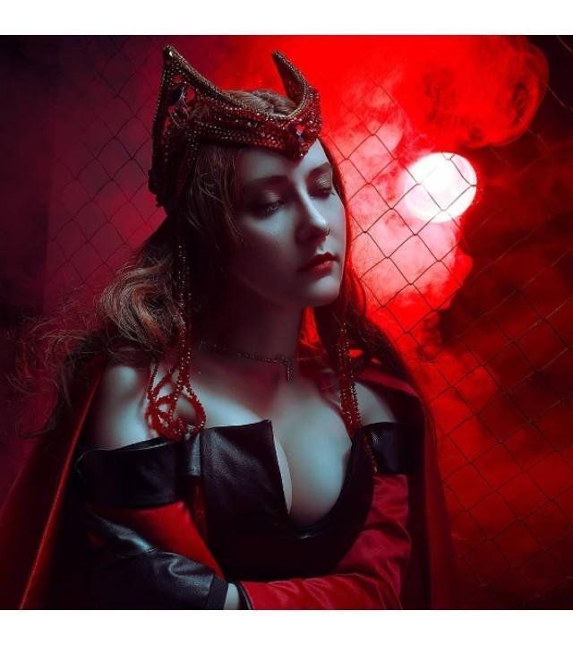 Marvel_ Cosplayer crea impresionante traje de Scarlet Witch