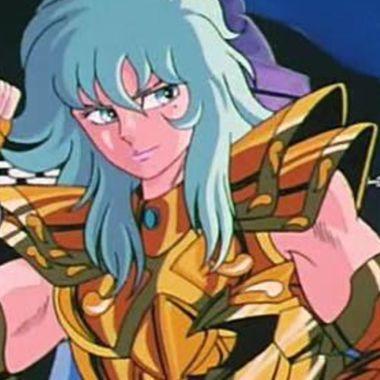 Los Caballeros del Zodiaco: Chica le da vida a una versión femenina de Afrodita de Piscis en cosplay