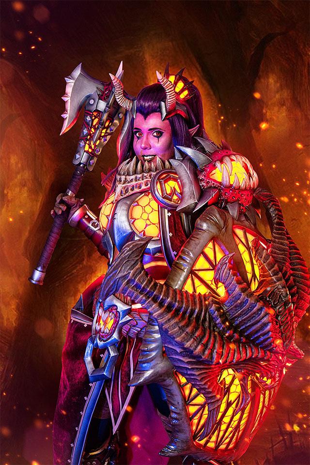 Cosplay de Brigitte de Overwatch, al estilo Diablo