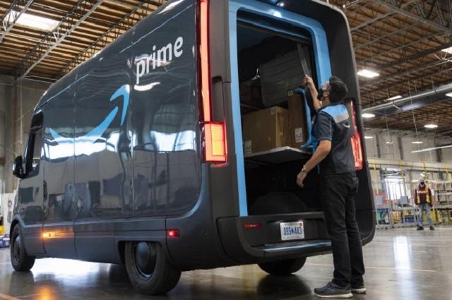 Amazon pone en funcionamiento sus vehículos eléctricos