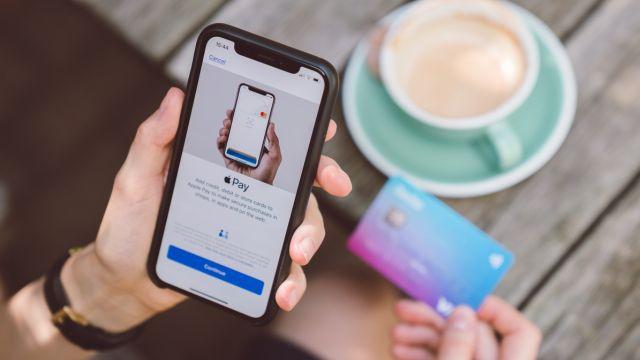 Apple Pay llega con su servicio de pagos a México