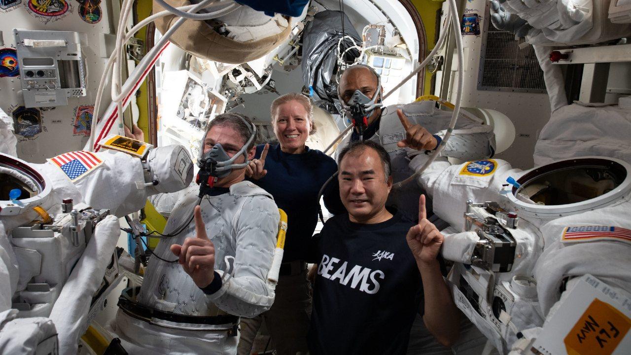 Astronautas de SpaceX cumplirán 84 días en el espacio