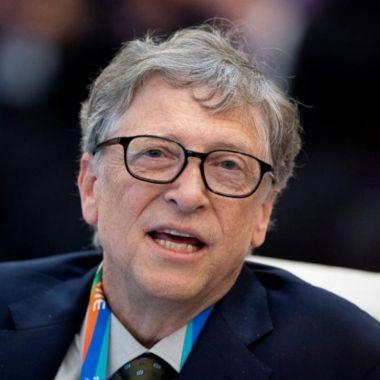 Bill Gates propone comer carne sintética para frenar el cambio climático