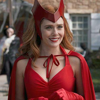 Marvel: Chica realiza un impactante cosplay de Wanda con su traje original