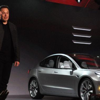 Elon Musk Tesla recibirá pago Bitcoins
