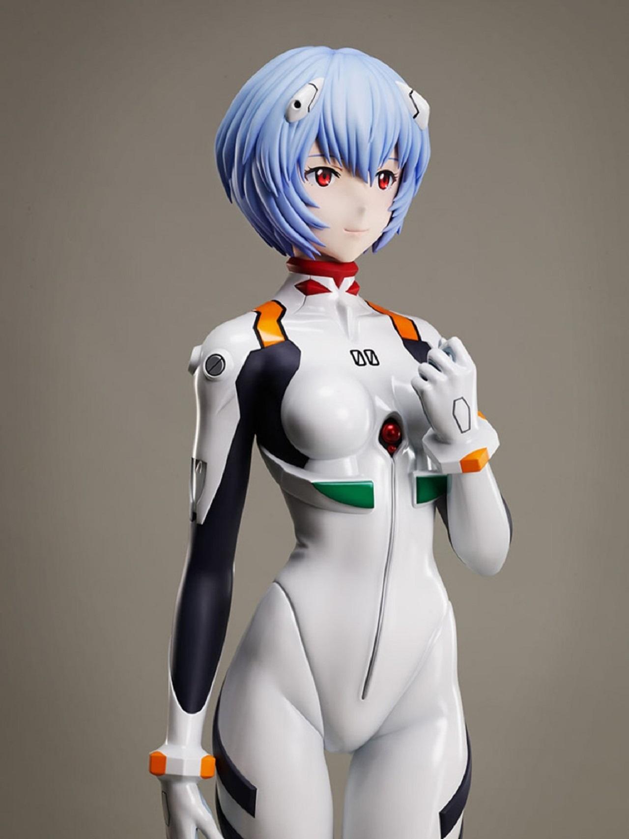 Estatua de Rey Ayanami
