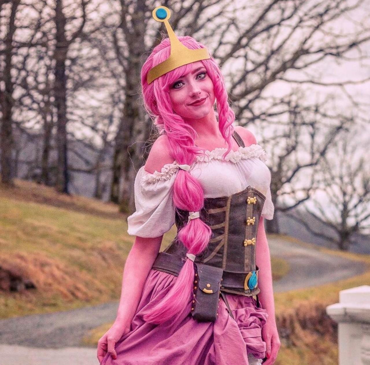 Hora de Aventura: Chica recrea a Dulce Princesa con un interesante estilo steampunk