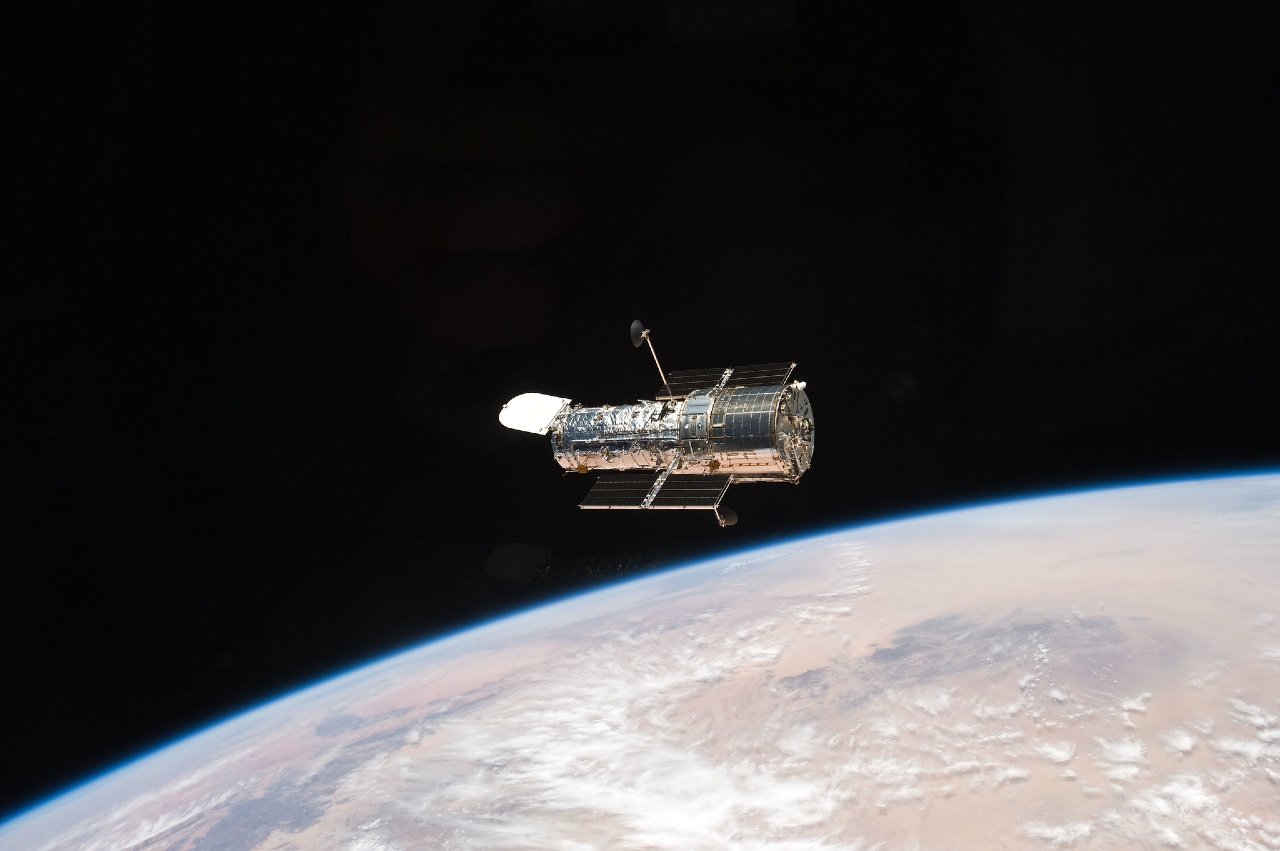 NASA Hubble reanuda operaciones error