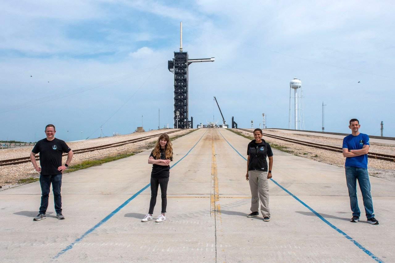 SpaceX tripulantes misión civil Inspiration4