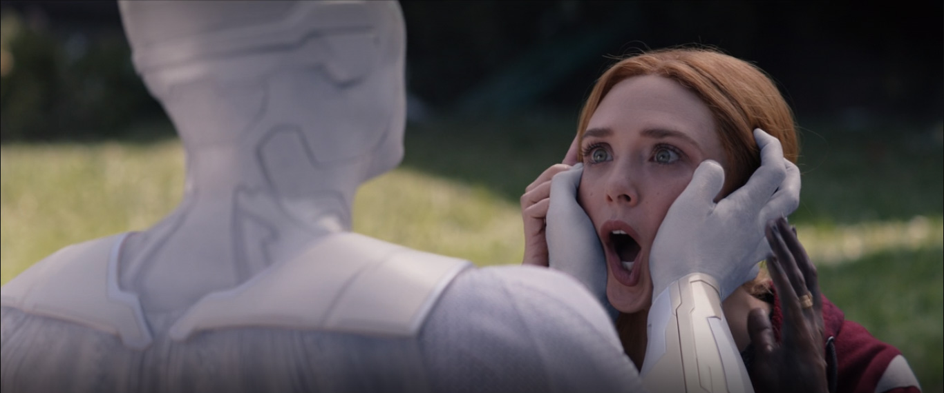 Vision Blanca Contra Scarlet Witch Wandavision