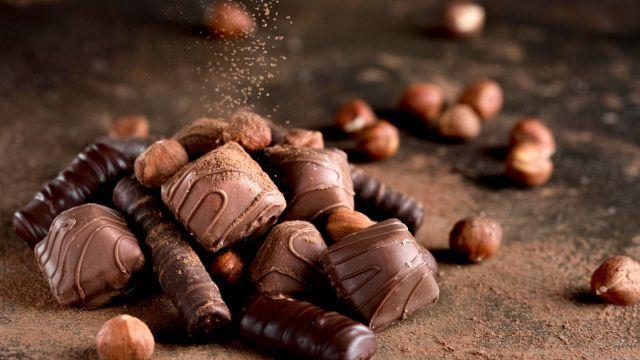 ¿Qué contiene el chocolate que nos hace sentir felices? Aquí la respuesta científica