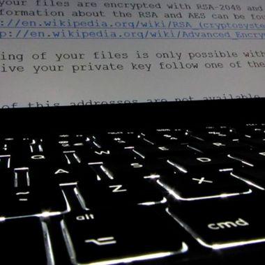 Así es como un hacker secuestra la información de tu empresa