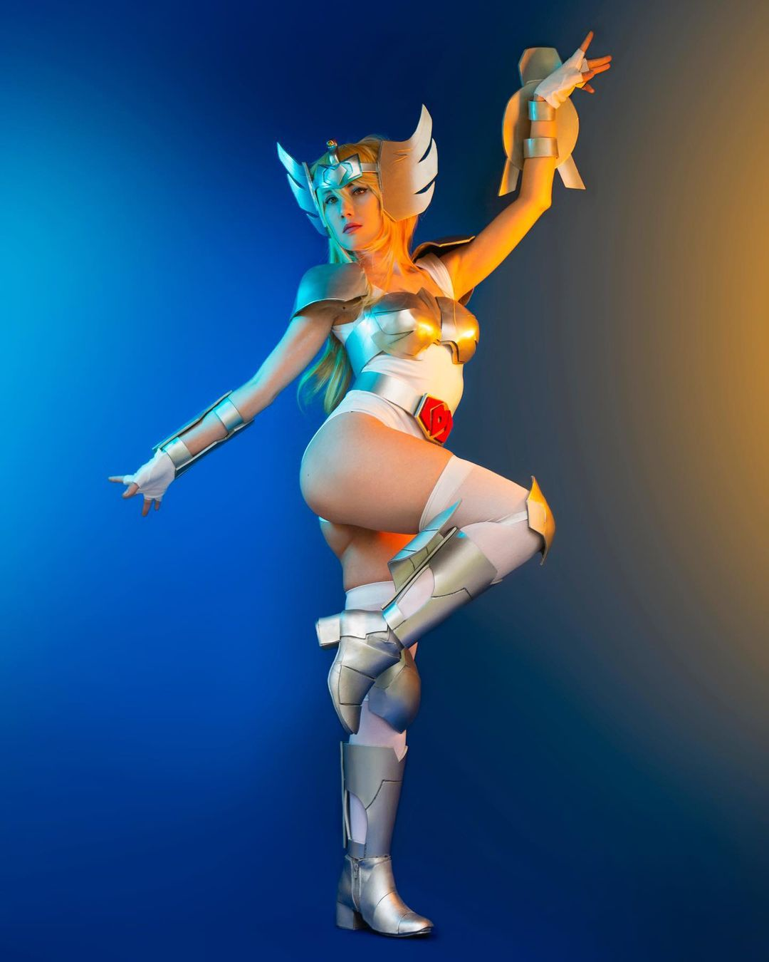 saint seiya caballeros zodiaco hyoga cisne cosplay femenino instagram