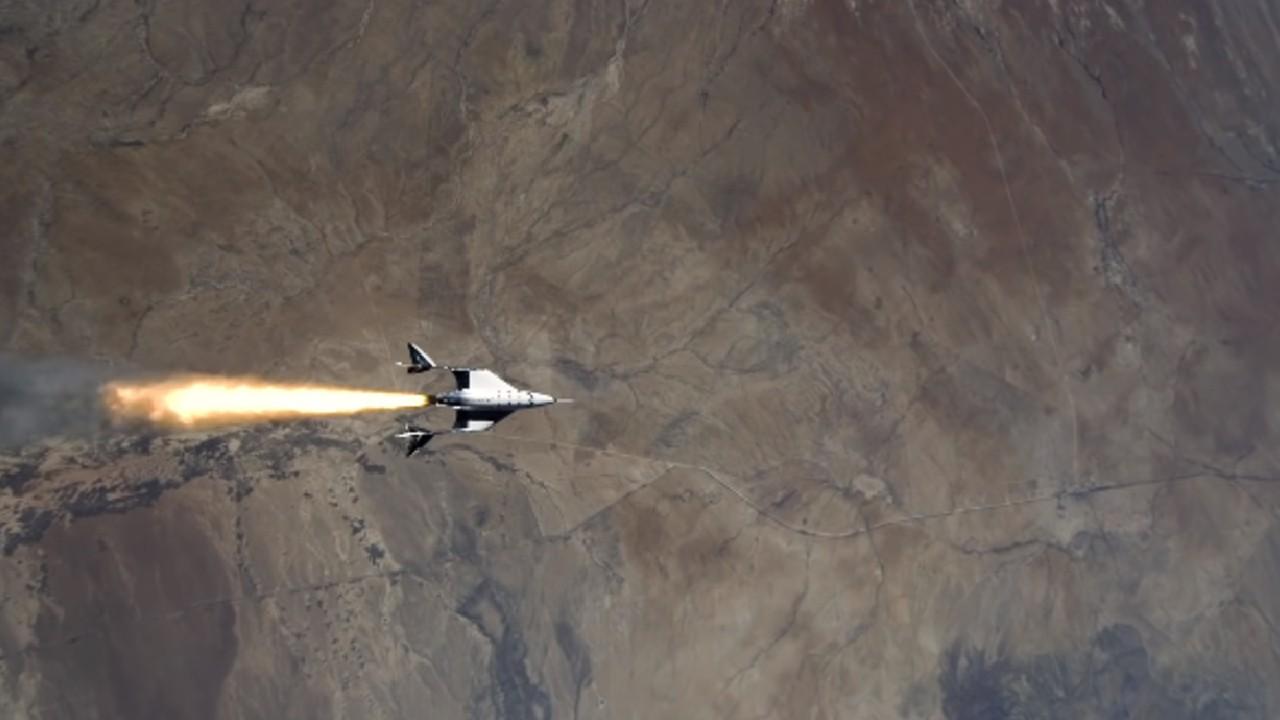 Virgin Galactic consigue ir al espacio