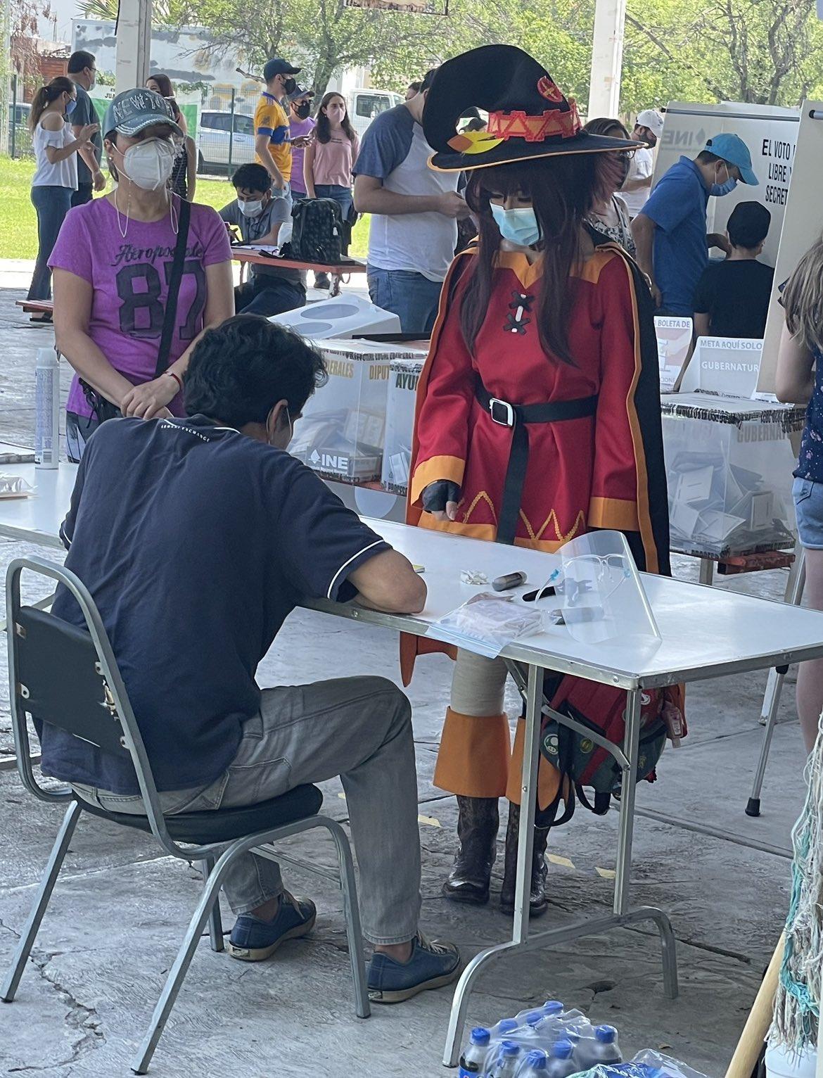 cosplay megumin konosuba elecciones