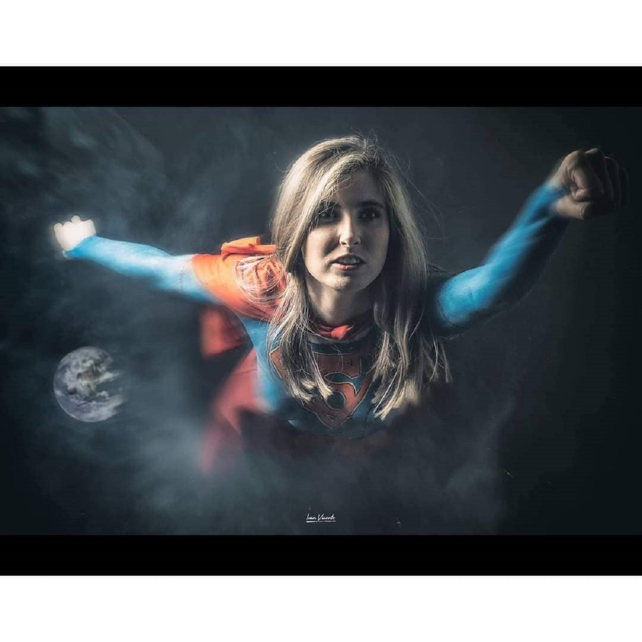 DC Comics Supergirl Cosplay Body Paint