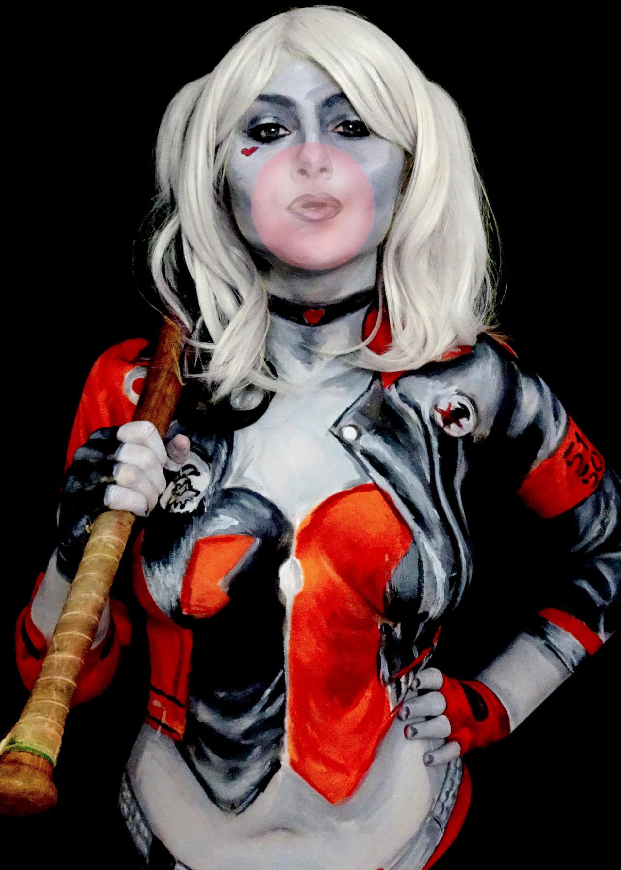harley quinn sexy cosplay dc comics body paint