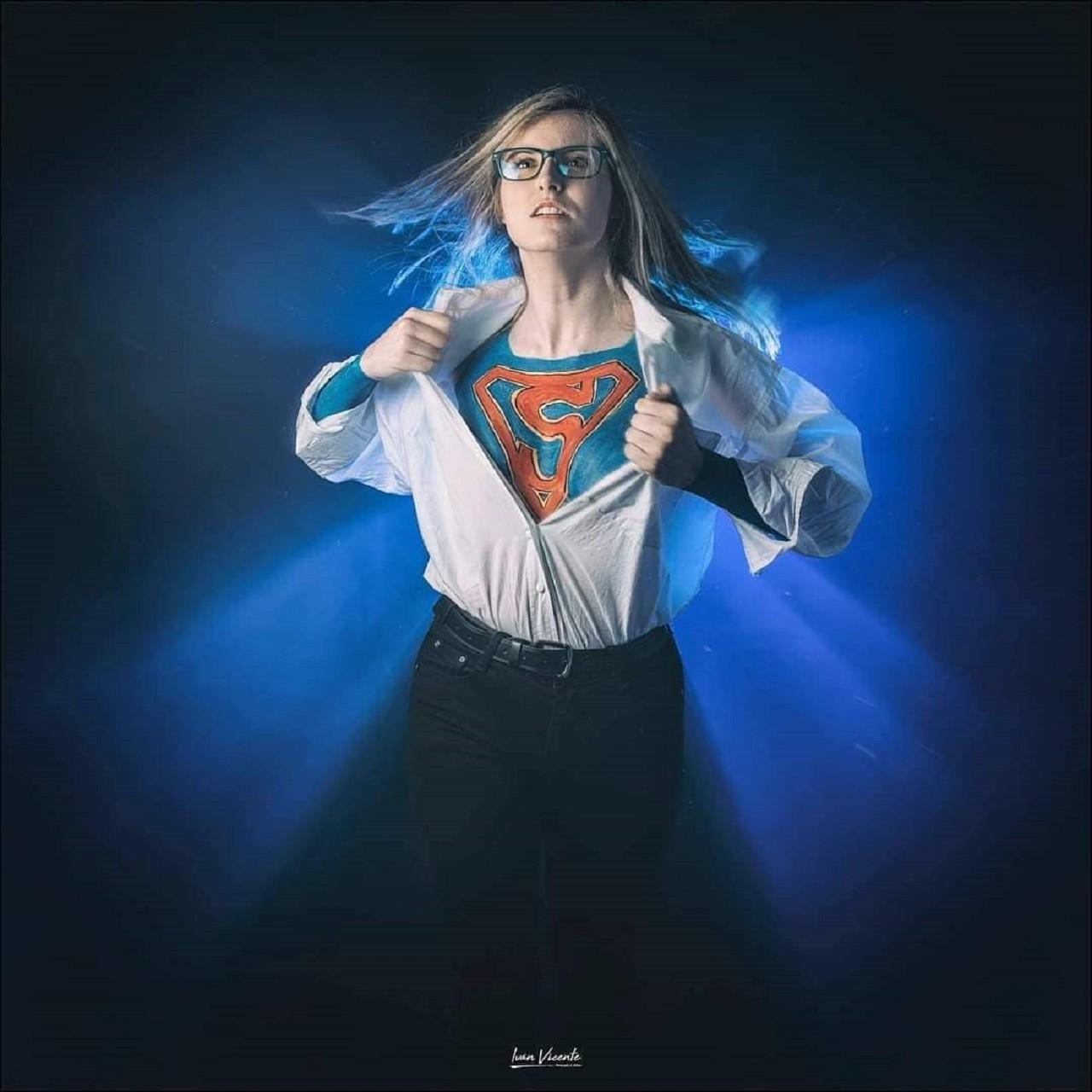 Supergirl DC Comics Cosplay Body Paint