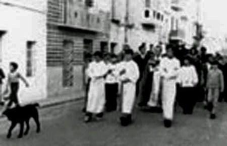 «Moro», acompañando un entierro