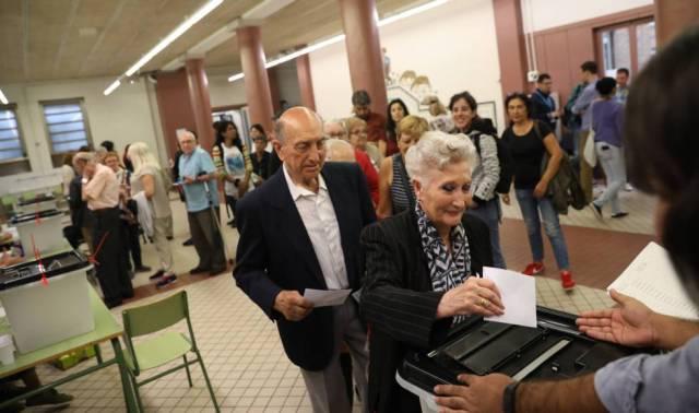 Puigdemont no cierra la puerta a declarar la independencia unilateralmente