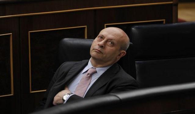 """El Constitucional tumba las """"becas Wert"""" de la LOMCE"""