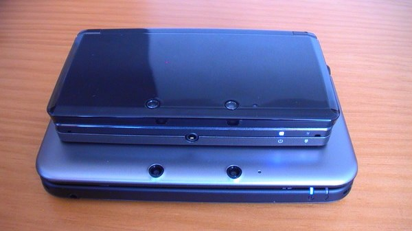 3DS encima de 3DS XL