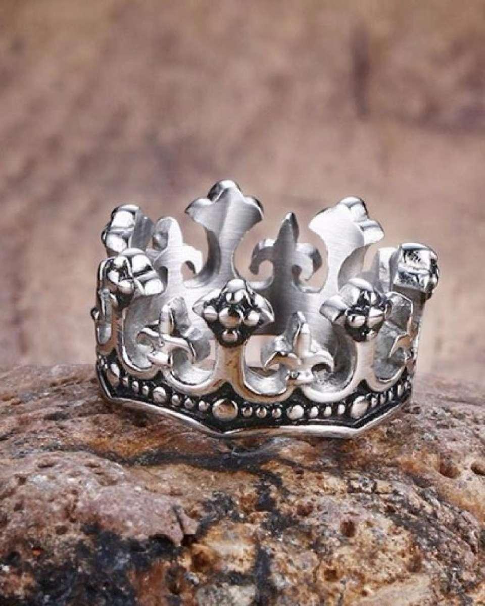Vintage Crown Ring Pakistan
