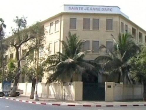 RECRUTE DES PROFESSEURS A L'INSTITUTION SAINTE JEANNE D'ARC