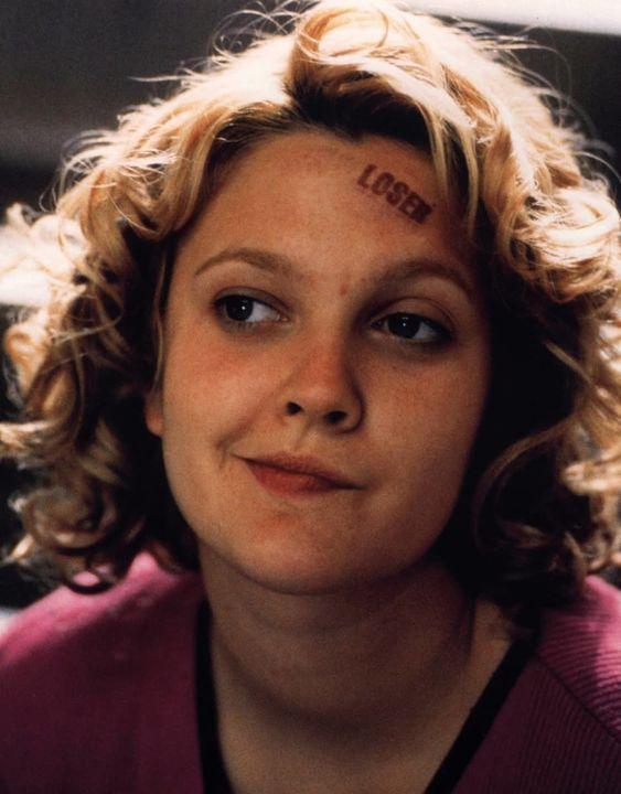 Josie avec Loser sur le visage incarnée par Drew Barrymore dans Never Been Kissed