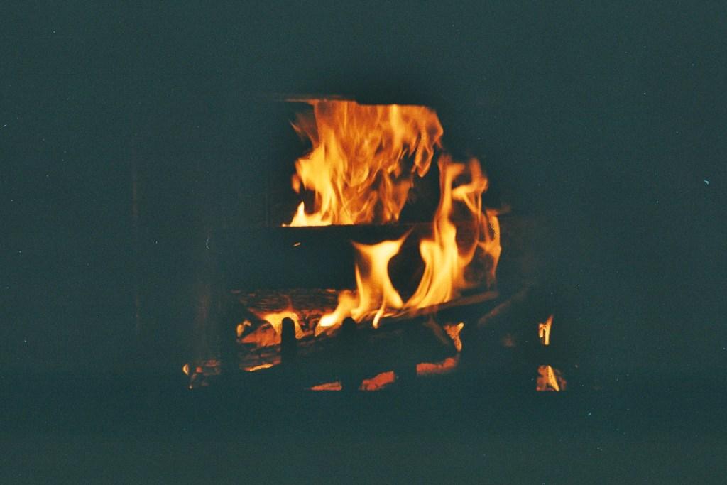 Feu de cheminée en argentique
