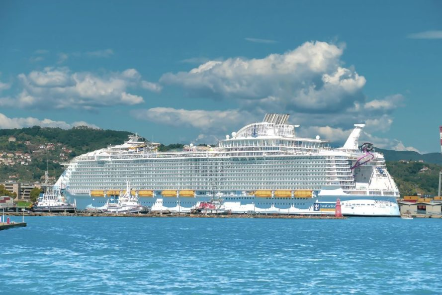 Cruise Ship packing