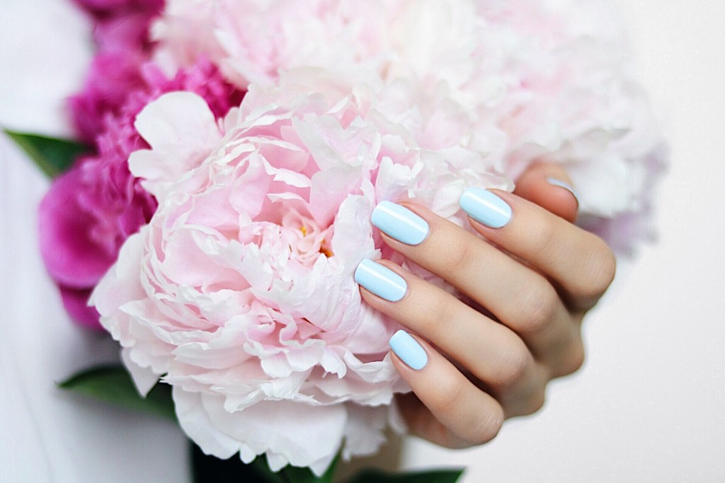"Essie Summer ""blue la la"""