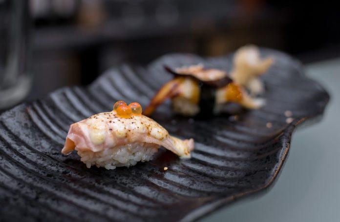 Maru Dine & Bar — 2 Kinds Aburi Sushi