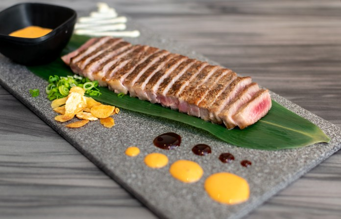 En Sushi—Sliced Beef Steak