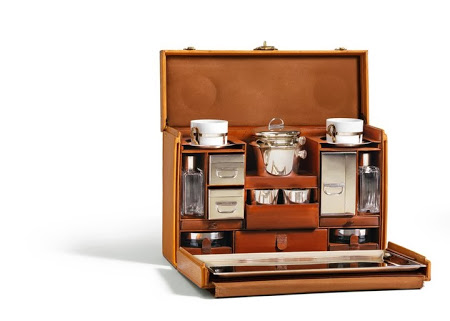 1926 Epi Tea Case Trunk LOUIS VUITTON.jpg