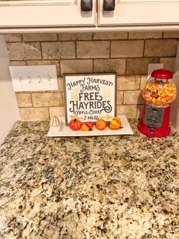 Inexpensive Fall Farmhouse Decor
