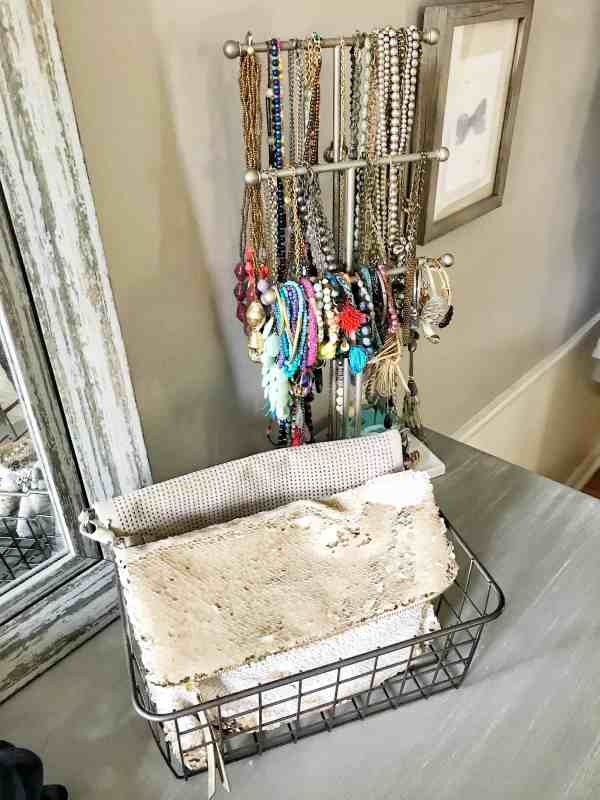 Jewelry Organization #masterbedroom #jewelryorganization #smallspaceorganization