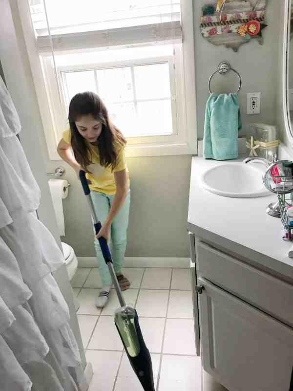 6 Steps to a Spring Clean Bathroom