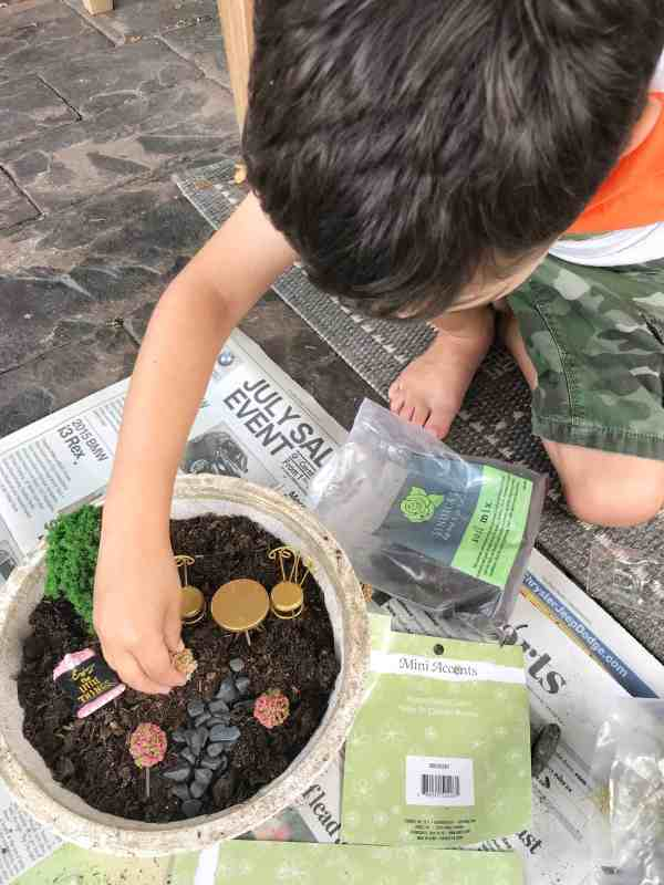 Create a Miniature Fairy Garden with Your Kids #diy #summeractivities #easy